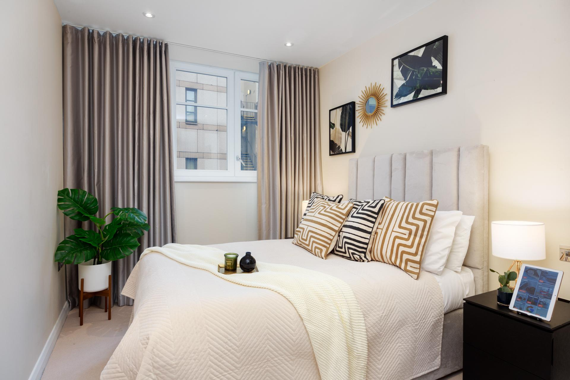 Bedroom at Chancery Lane Apartment, Chancery Lane, London - Citybase Apartments