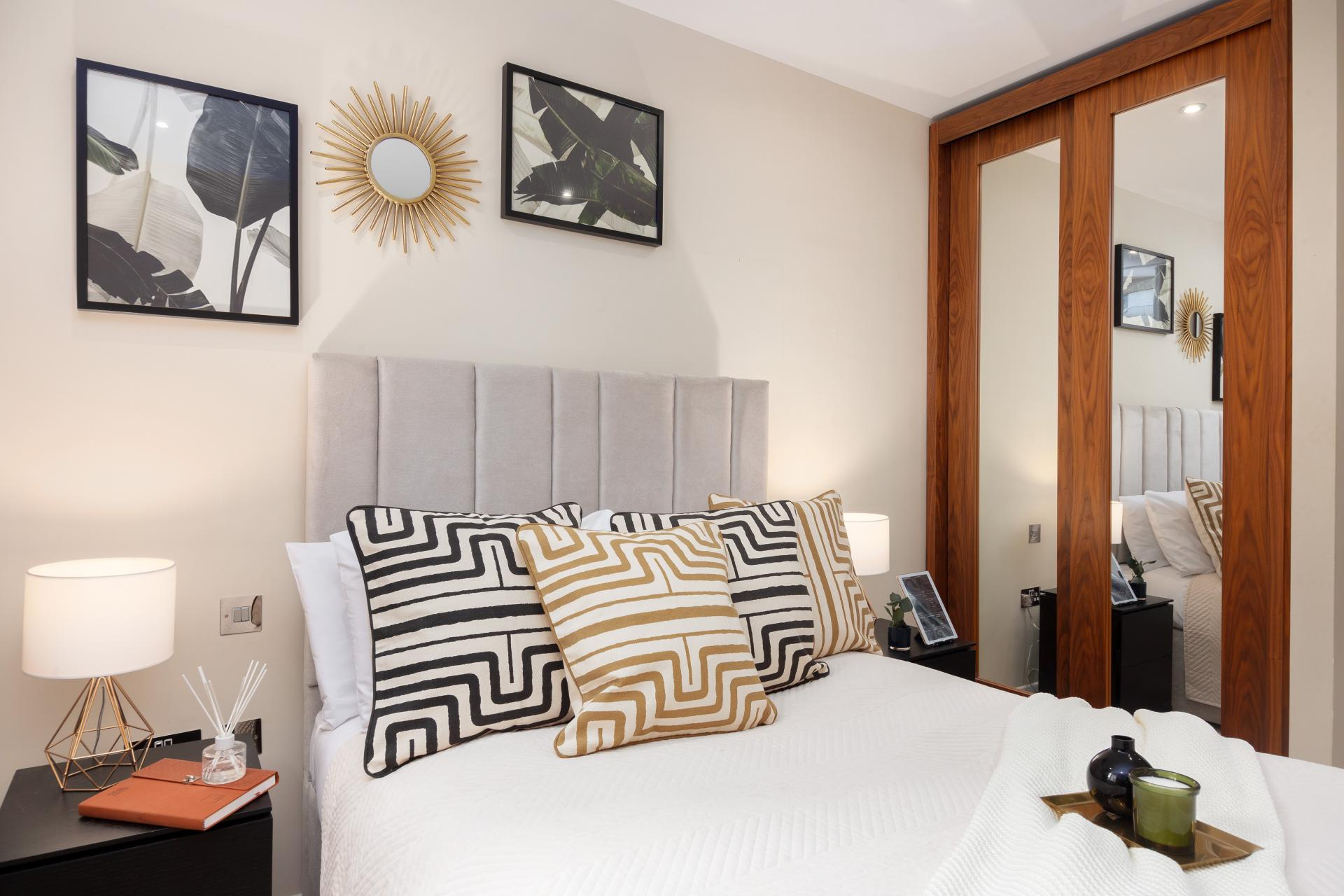 Art at Chancery Lane Apartment, Chancery Lane, London - Citybase Apartments