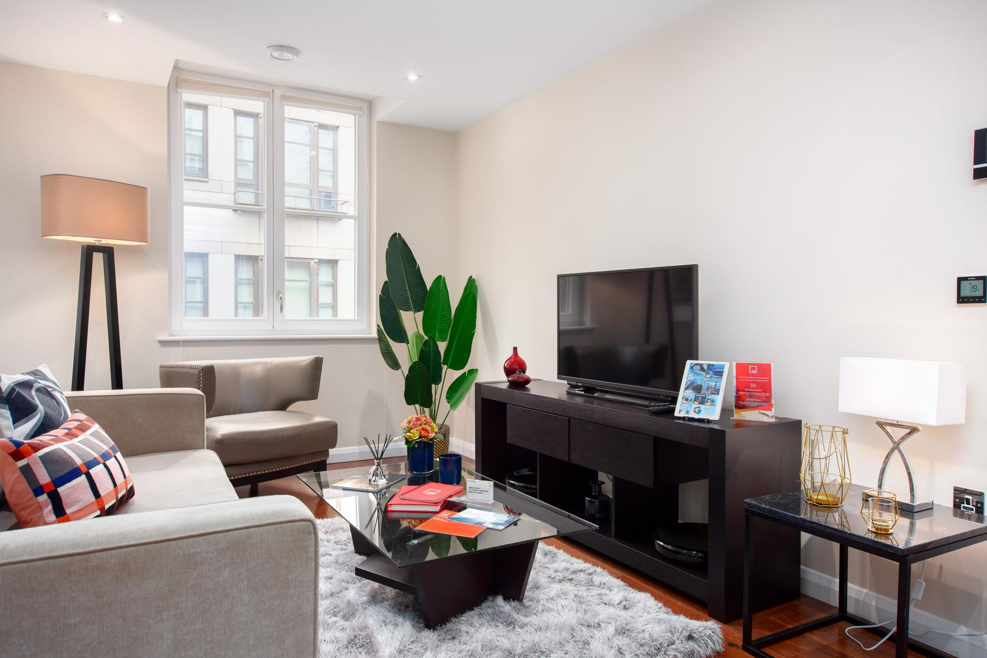 Living Room at Chancery Lane Apartment, Chancery Lane, London - Citybase Apartments