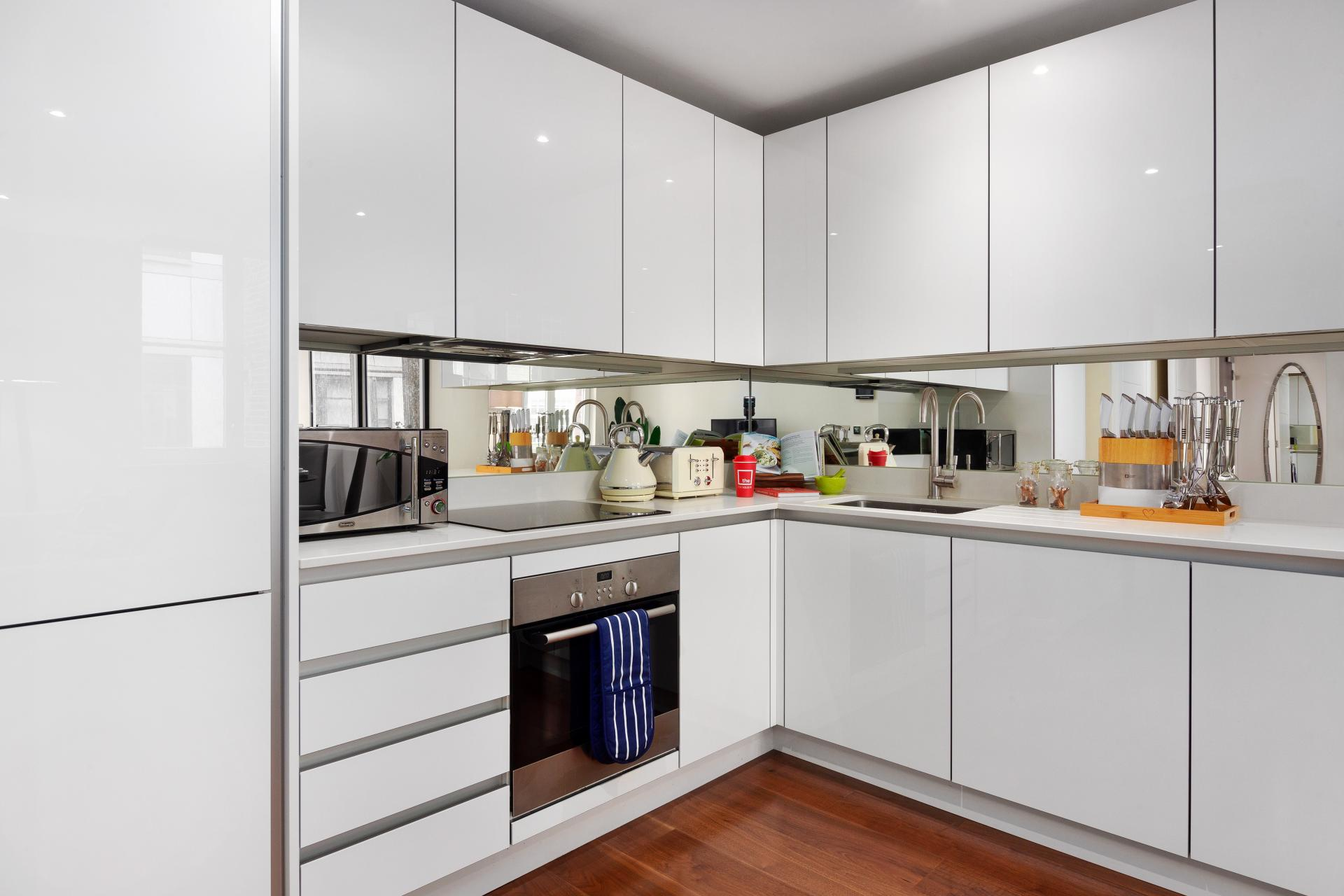 Sleek kitchen at Chancery Lane Apartment, Chancery Lane, London - Citybase Apartments