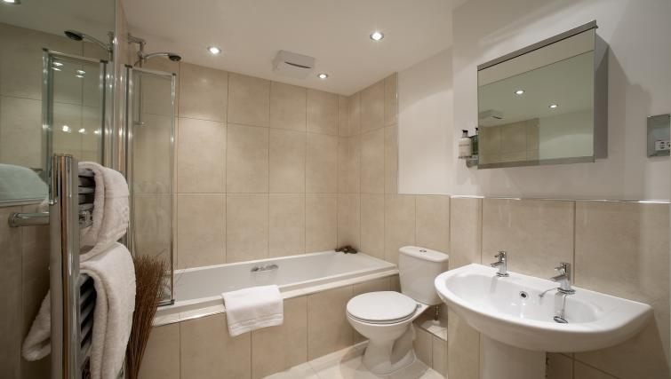 Bathroom at Southwich House Apartments - Citybase Apartments