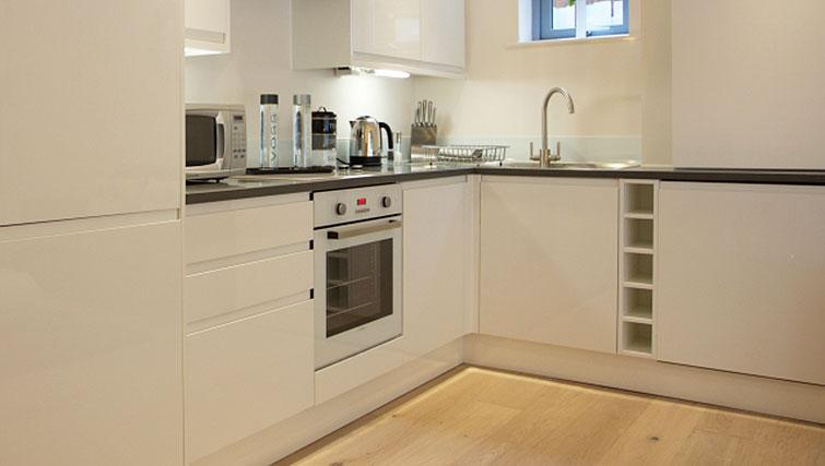 Kitchen at Pringle House Apartments - Citybase Apartments