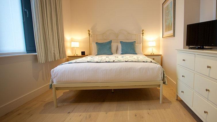 Bedroom at Pringle House Apartments - Citybase Apartments