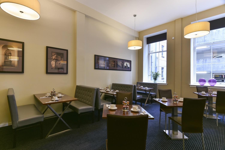 Breakfast restaurant at Fraser Suites Glasgow - Citybase Apartments