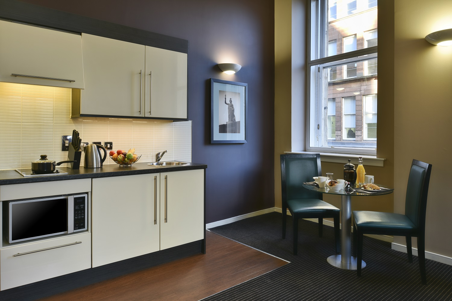 Dining table at Fraser Suites Glasgow - Citybase Apartments
