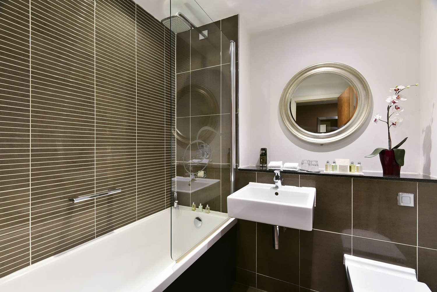 Bathroom at Fraser Suites Glasgow - Citybase Apartments