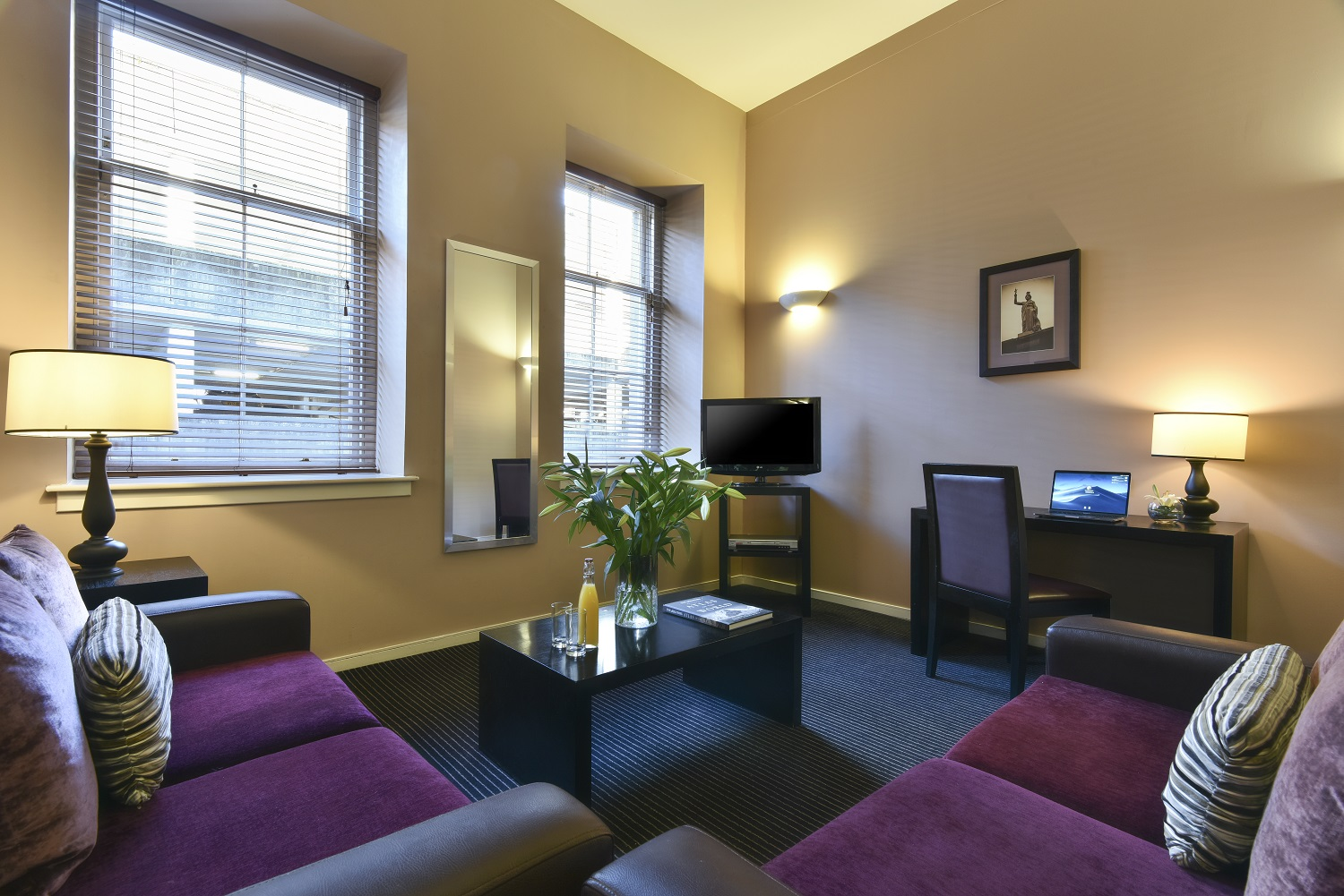 Living room at Fraser Suites Glasgow - Citybase Apartments