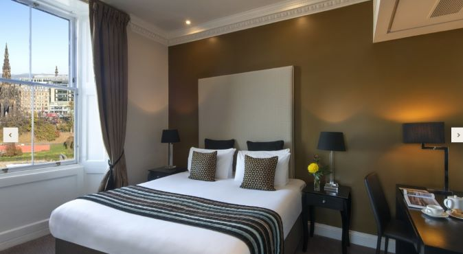 Double bed at Fraser Suites Edinburgh - Citybase Apartments