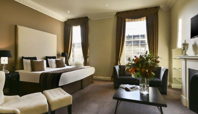 Spacious bedroom at Fraser Suites Edinburgh - Citybase Apartments
