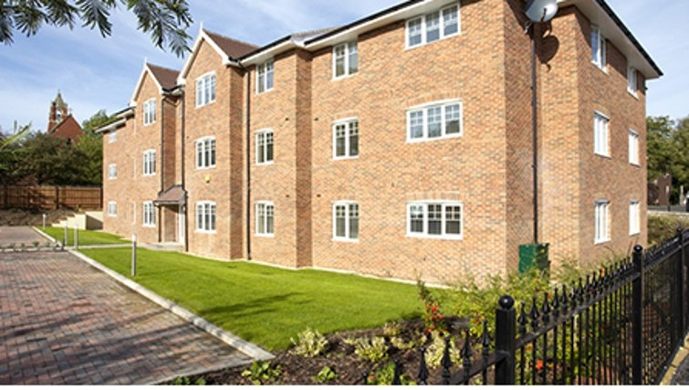 Secluded exterior of SACO Farnborough - Reading Road - Citybase Apartments