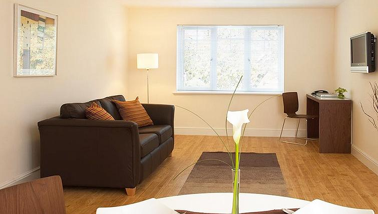 Large living area in SACO Farnborough - Reading Road - Citybase Apartments