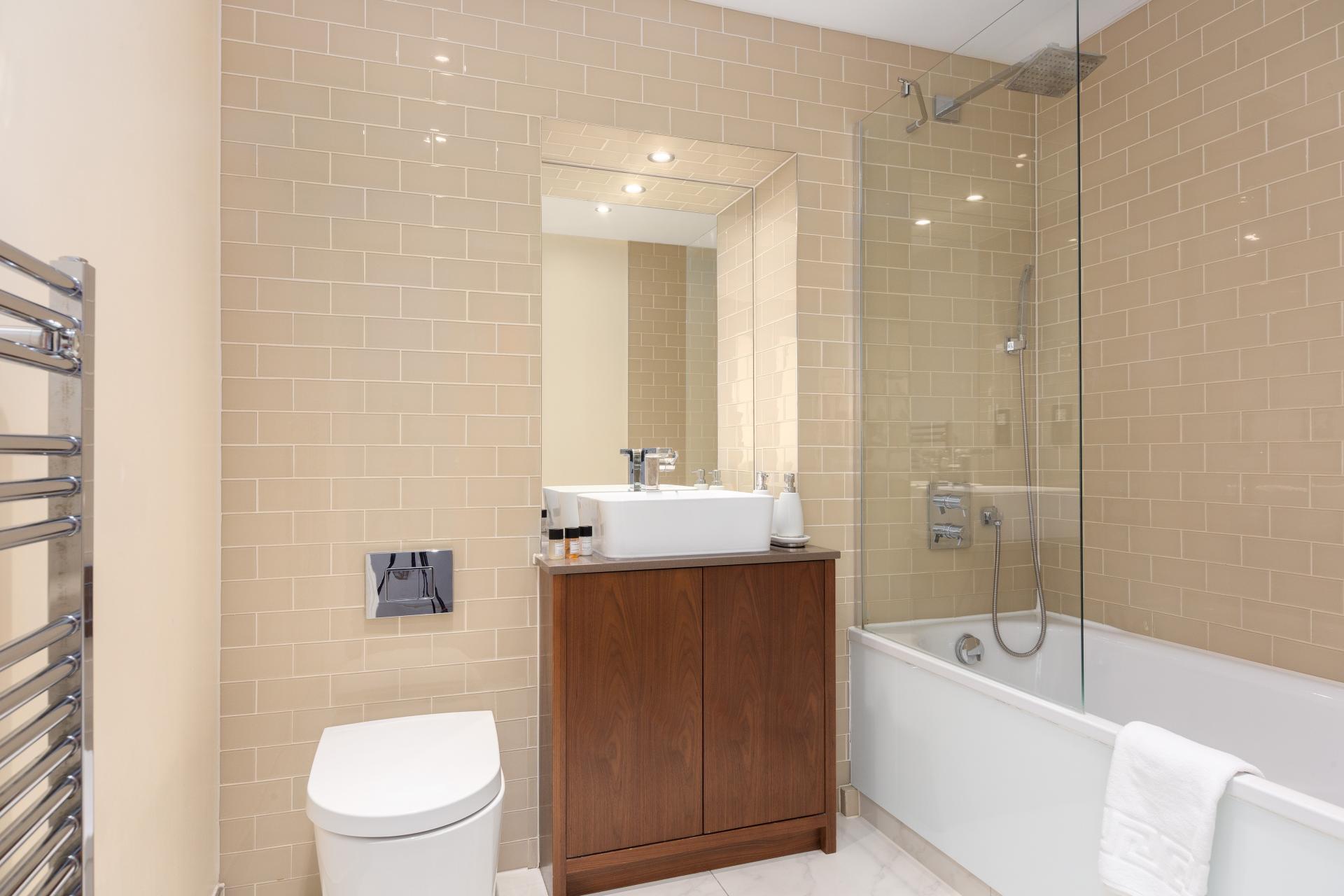Bathroom at Duckman Tower Lincoln Plaza Apartments - Citybase Apartments