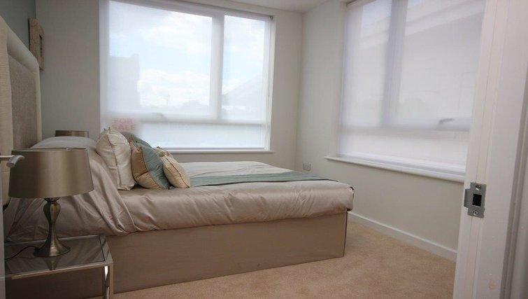 Bed at Hatfield Apartments - Citybase Apartments