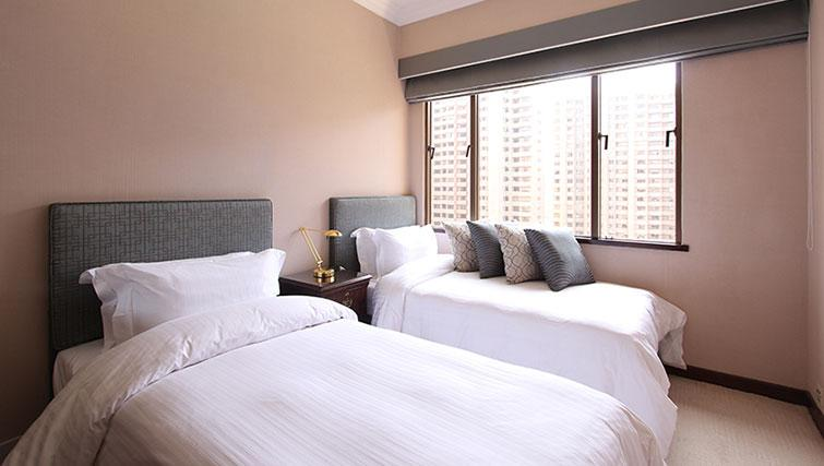 Twin bedroom at Hong Kong Parkview Apartments - Citybase Apartments