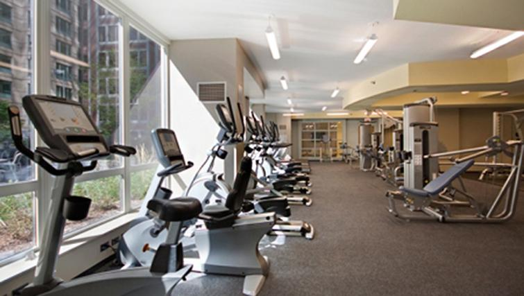 Gym at West Washington Street Apartments - Citybase Apartments
