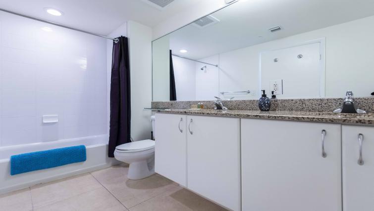 Bathroom at Dharma Home Suites Brickell - Citybase Apartments