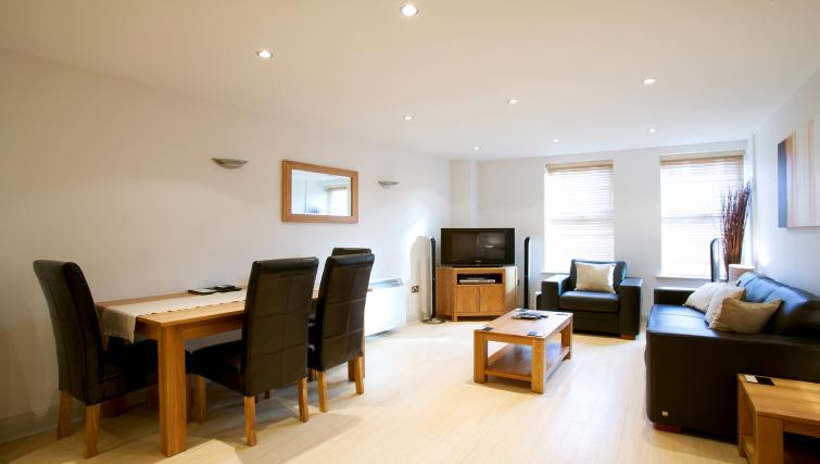 Living area at Pelican House - Citybase Apartments