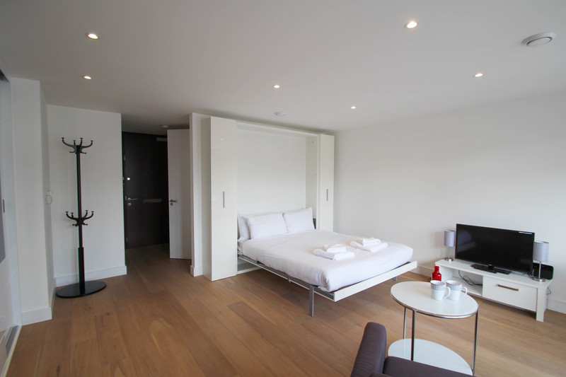 Bed at Aldgate East Studio - Citybase Apartments