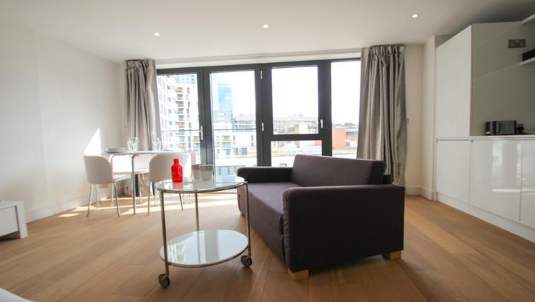 Living area at Aldgate East Studio - Citybase Apartments