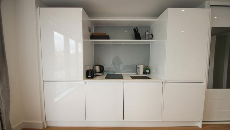 Kitchenette at Aldgate East Studio - Citybase Apartments
