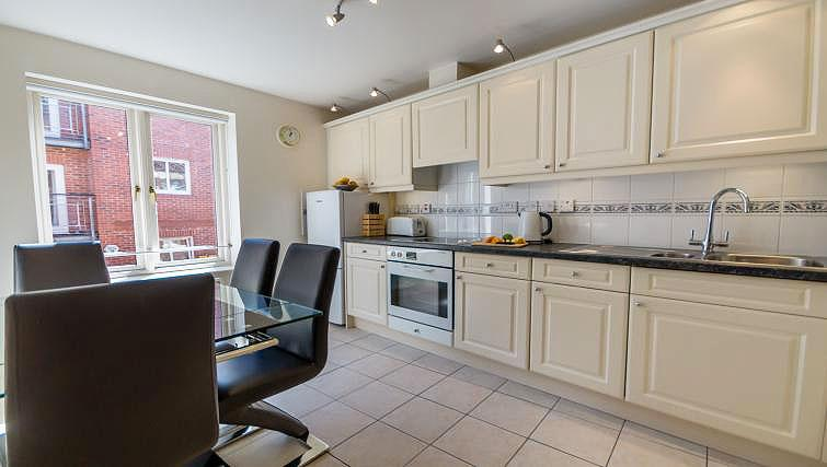 Kitchen at 4 Queens Court Apartment - Citybase Apartments