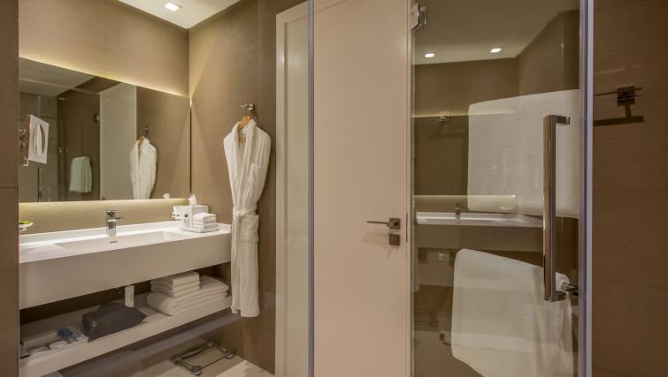Sink at InterContinental Dubai Marina - Citybase Apartments