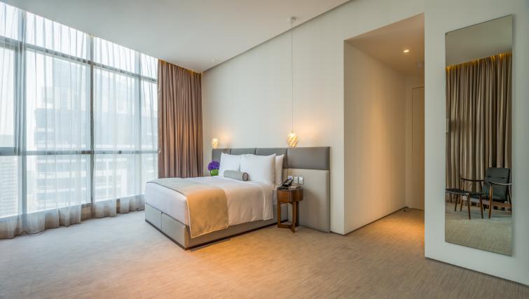 Spacious bedroom at InterContinental Dubai Marina - Citybase Apartments