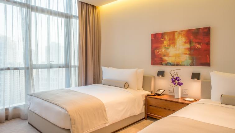 Twin beds at InterContinental Dubai Marina - Citybase Apartments