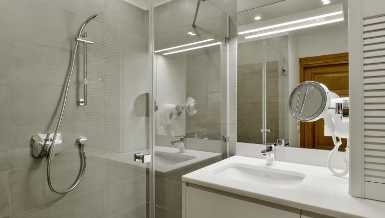 Bathroom at Stradonia Serviced Apartments - Citybase Apartments