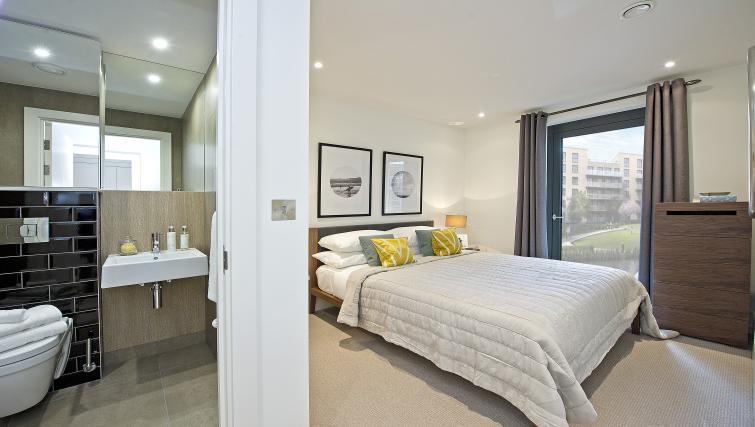 Bed at Wembley Apartments - Citybase Apartments