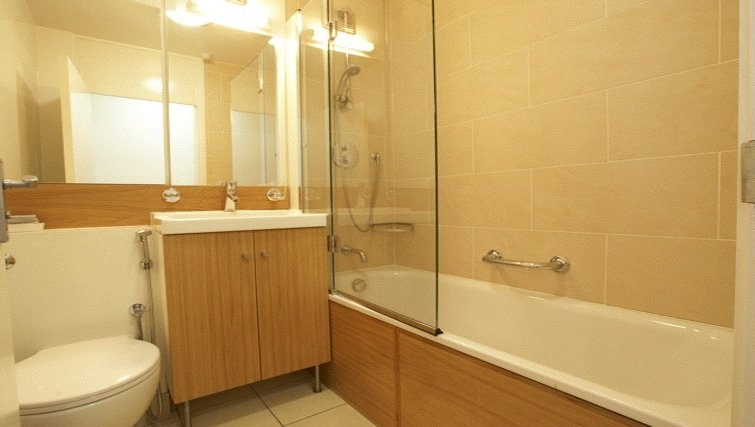 Classic bathroom at Presidential Marylebone Apartments - Citybase Apartments