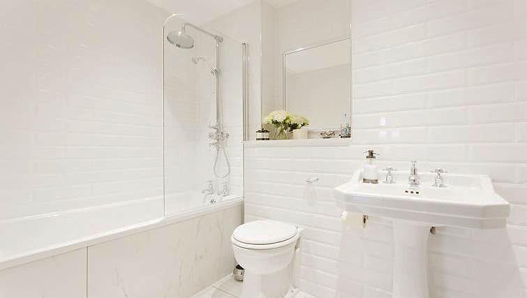 Bathroom at City Stay Apartments Centro - Citybase Apartments