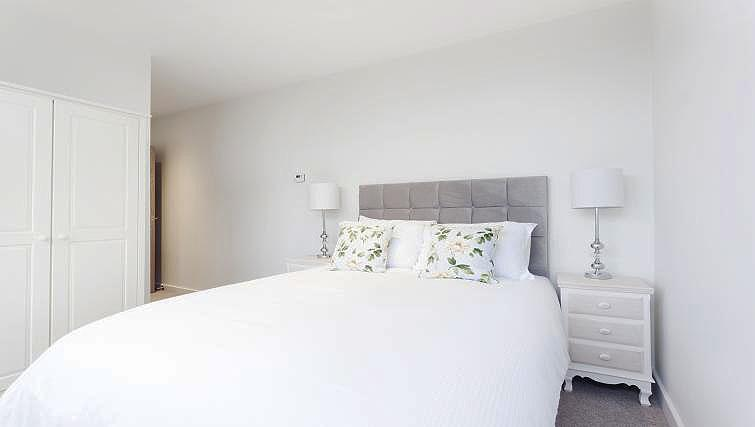 Double bedroom at City Stay Apartments Centro - Citybase Apartments