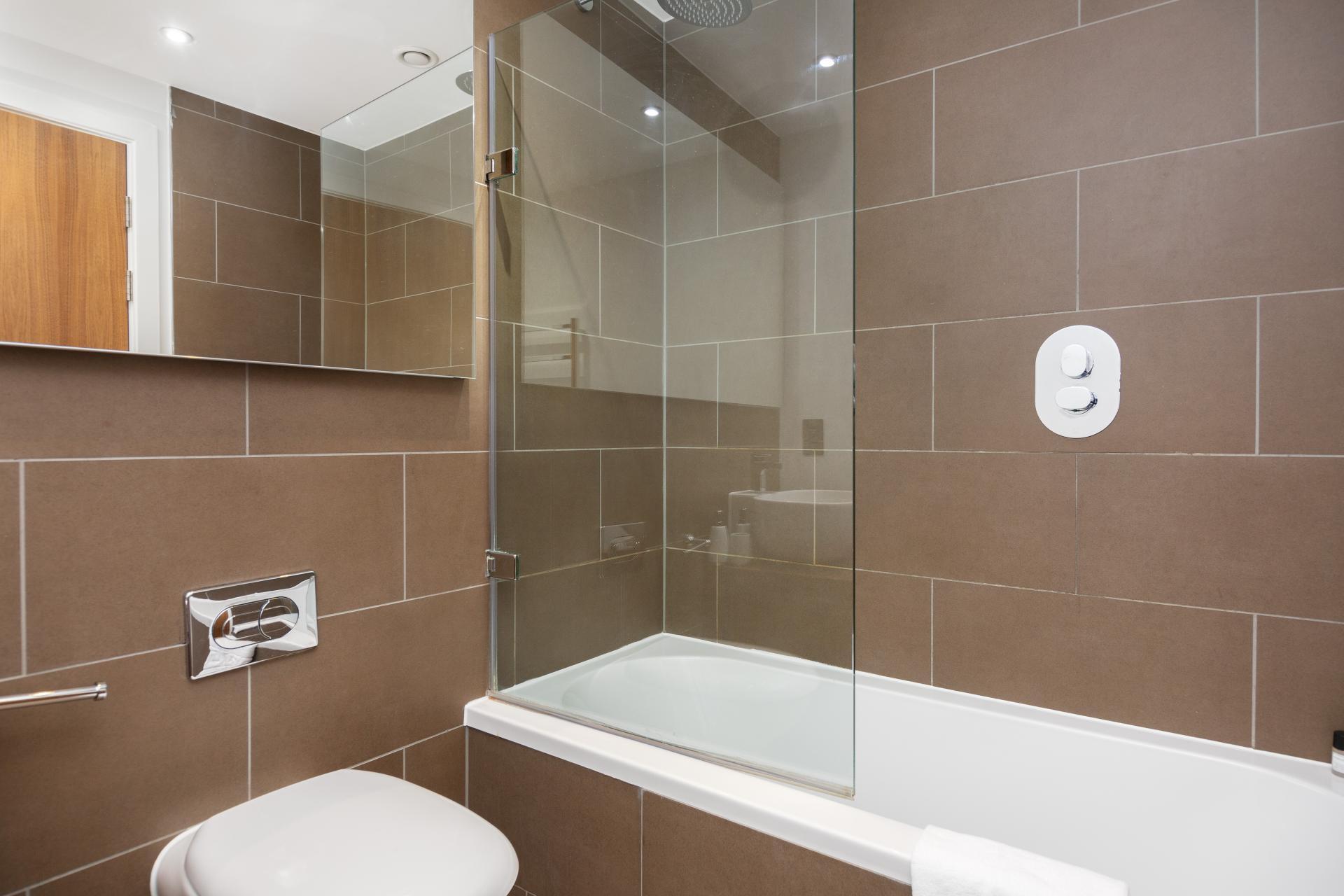 Bath at One Commercial Street - Citybase Apartments