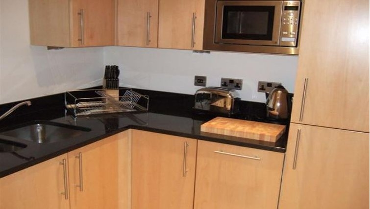 Modern kitchen in Oakwood New Palace Place - Citybase Apartments