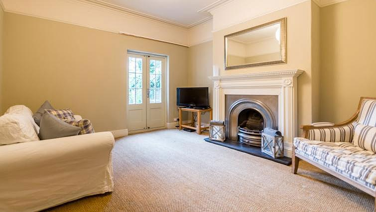 Reception room at St Olaves House - Citybase Apartments
