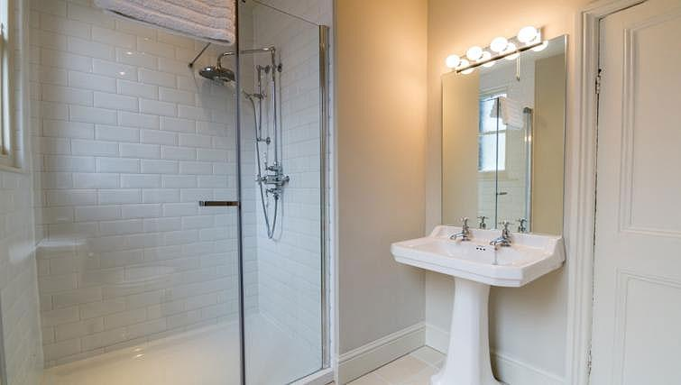 Shower room at St Olaves House - Citybase Apartments