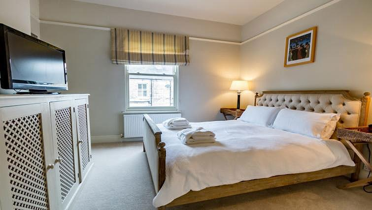 Master bedroom at St Olaves House - Citybase Apartments