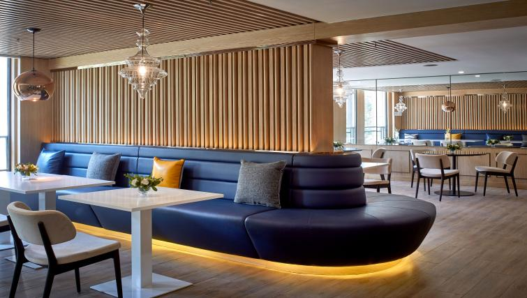 Lounge at One Sunland Suites - Citybase Apartments