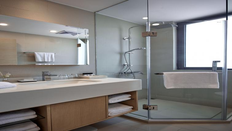 Bathroom at One Sunland Suites - Citybase Apartments
