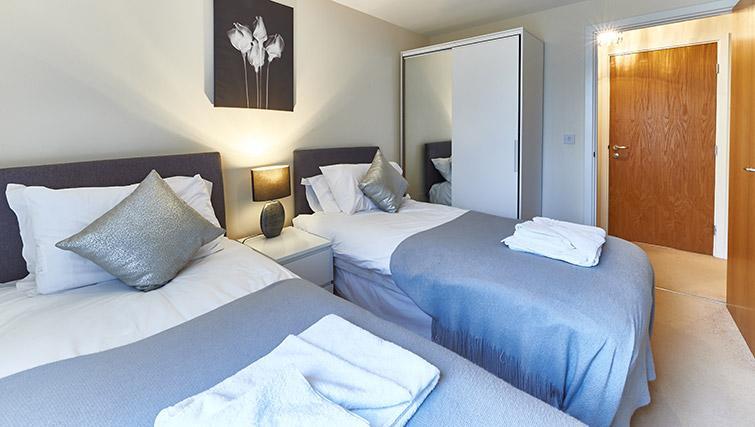 Twin beds at Vizion Milton Keynes Apartments - Citybase Apartments