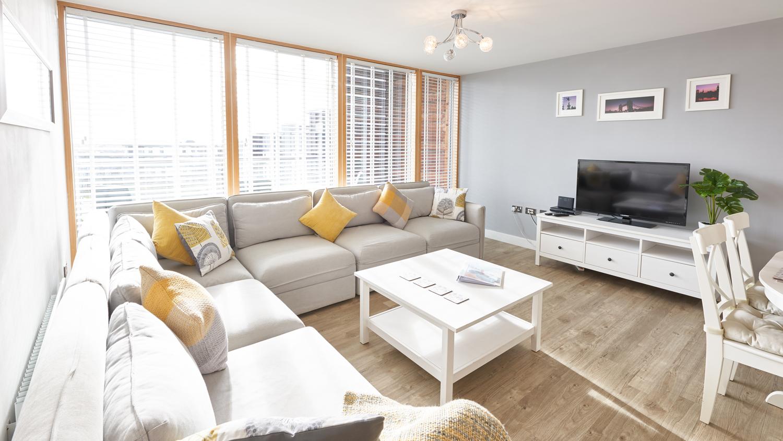 Bright living space at Vizion Milton Keynes Apartments, Centre, Milton Keynes - Citybase Apartments