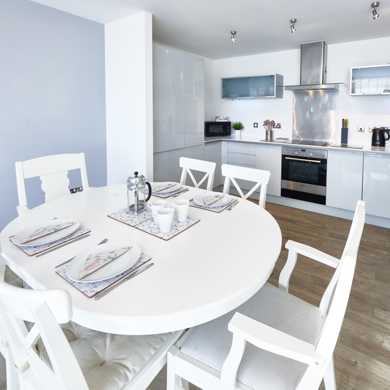 Kitchen diner at Vizion Milton Keynes Apartments, Centre, Milton Keynes - Citybase Apartments