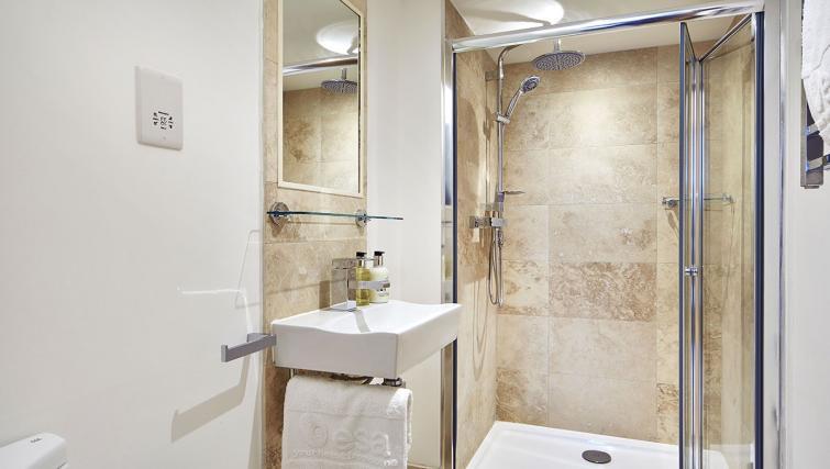 Bathroom at Castle Crescent Apartments - Citybase Apartments