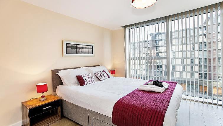 Cosy bed at The Hub Milton Keynes Apartments - Citybase Apartments