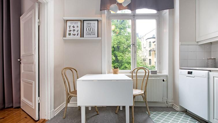 Kitchen table at Krona Apartment - Citybase Apartments