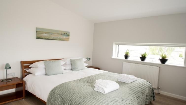 Bedroom at Nelson Court Apartments - Citybase Apartments