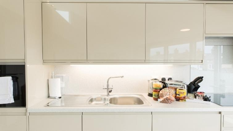 Kitchen at Nelson Court Apartments - Citybase Apartments