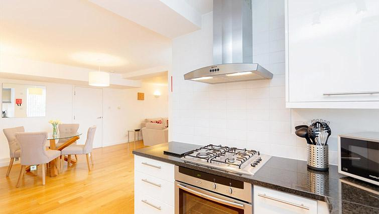 Kitchen at Kew Bridge Court Furnished Apartments - Citybase Apartments