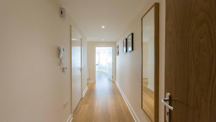 Entrance hallway at The Apex Apartment - Citybase Apartments